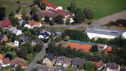 011-Eicken-8-Grundschule-Sporthalle-Tennisplätze-Poggenort
