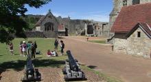 038-England-Wight-Carisbrooke-Castle-2