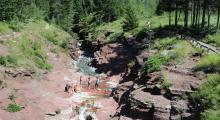 049-Kanada-Alberta-Waterton-Glacier-Park-Red-Rock-Canyon-1