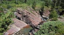 050-Kanada-Alberta-Waterton-Glacier-Park-Red-Rock-Canyon-2