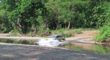 052-Costa-Rica-Gelaendewagen-Fluss