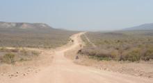 060-Namibia-Schotterstrasse